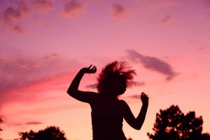 Rhythm Sunset_Party_Dancing_Girl_Silhouette